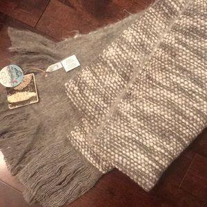 Accessories - Scarf/shawl